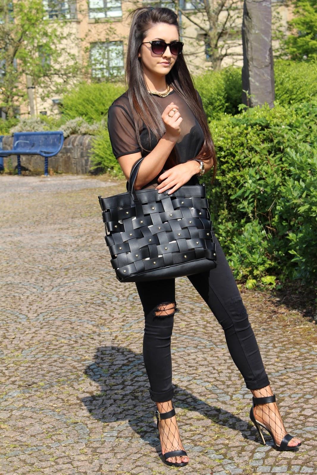 Fashion Mia Online Customer Reviews: Her Fastest Fashion