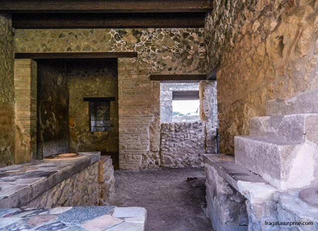 Thermopolium de Vetutius Placidus, uma taberna de Pompeia