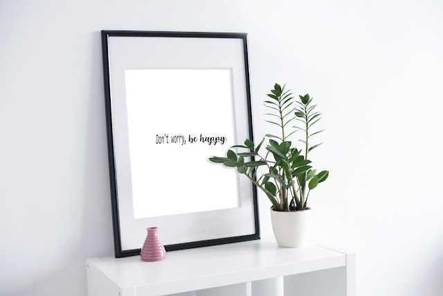Poster be happy,free
