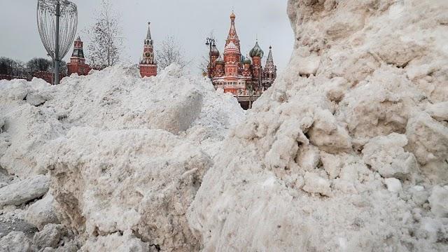 Χιονίζει μικροπλαστικά στη Σιβηρία; Ρώσοι επιστήμονες μελετούν δείγματα χιονιού