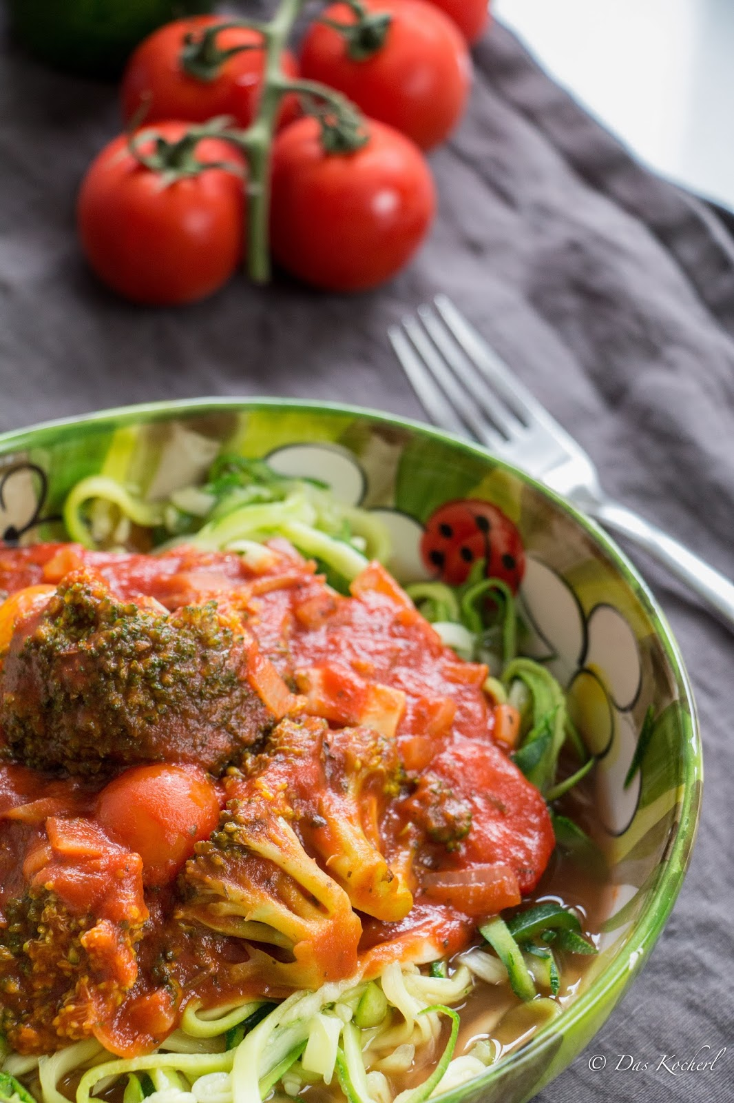 One-Pot Zoodles mit Tomatensauce