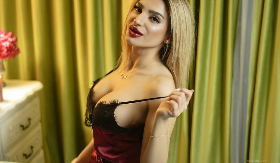 KymCaramela Model GlamourCams