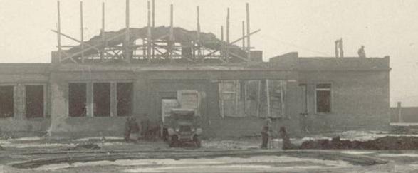 ЗИС на стройках КЗТС - гараж. Краматорск. 1937 год.