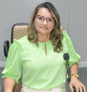 Rosane Emídio cobra celeridade em processo licitatórios de clinicas para exames de media e alta complexidade em Guarabira.