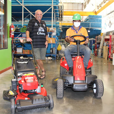 USA lawn mower sold to British expat in Buriram Isaan Thailand