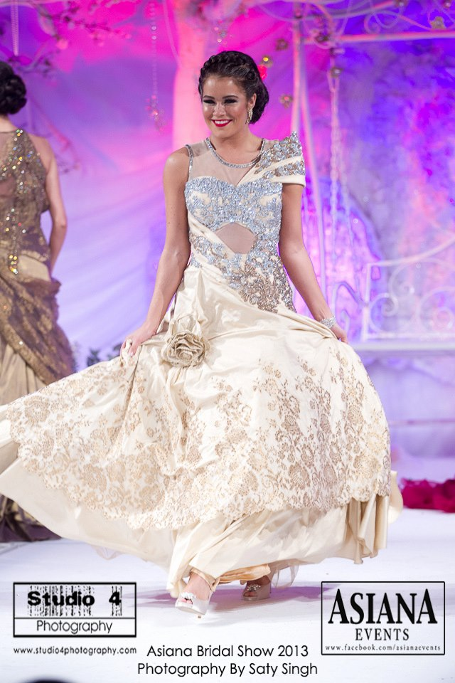 Frontier Raas At The Asiana Bridal Show 2013 In London