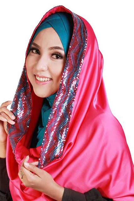 Cara Praktis Menyimpan Hijab Agar Tidak Mudah Kusut
