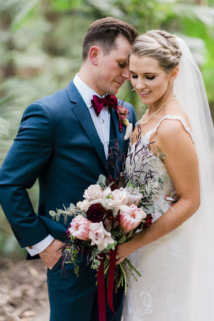 two peaches photography sydney wedding florals australia flora bouquets installations flowers