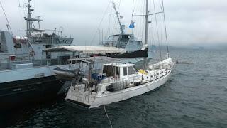 Die Exodus zu guter letzt an einem Patrouillenboot festgemacht.