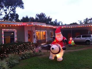 Retro Info: 1950s ranch house Christmas Lights