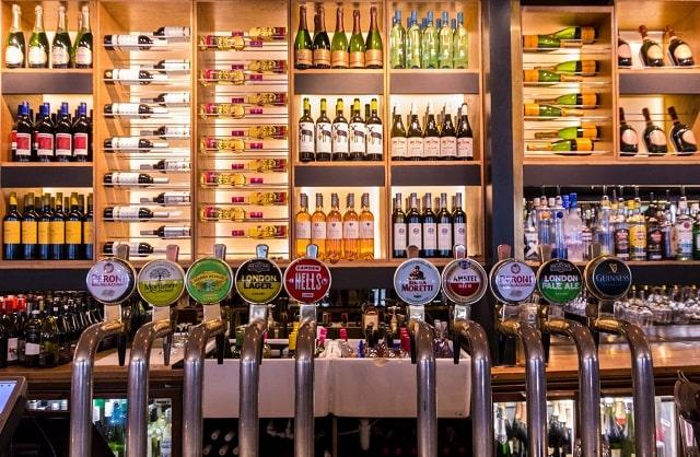 reasons bars need beer line cleaner fresh beers