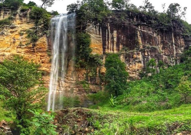 5. Obyek Wisata Air Terjun Gunung Nyawe