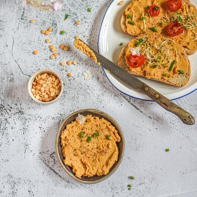 Pasta z soczewicy i suszonych pomidorów