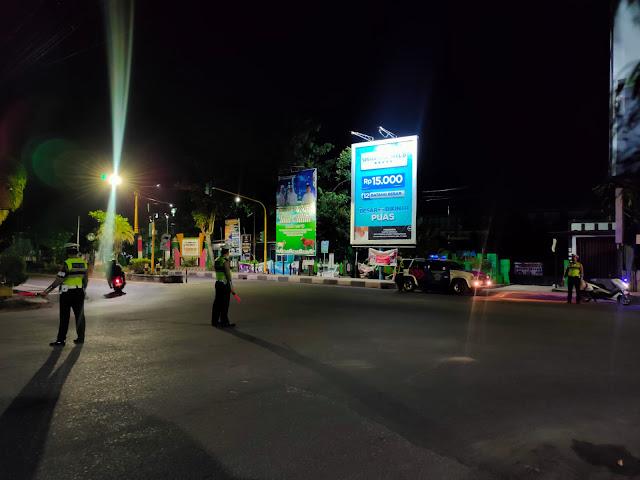 Jaga Kamtibmas Jelang Idul Adha 1442 H, Sat Lantas Polres Kotim Tingkatkan  Blue Light Patrol Malam