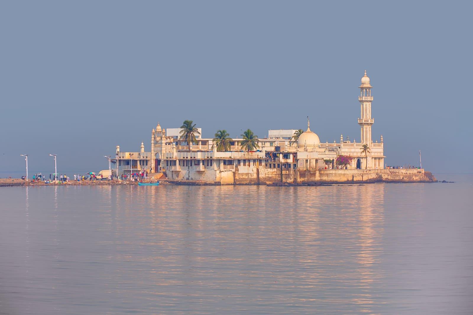 Haji ali dargah| full updated details about Haji ali dargah mumbai (2019)