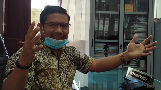 Terban, Anggota DPRD Kota Padang Desak Pemko Perbaiki Jalan Raya Rimbo Tarok