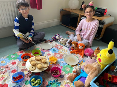 Picnic in the front room with teddies