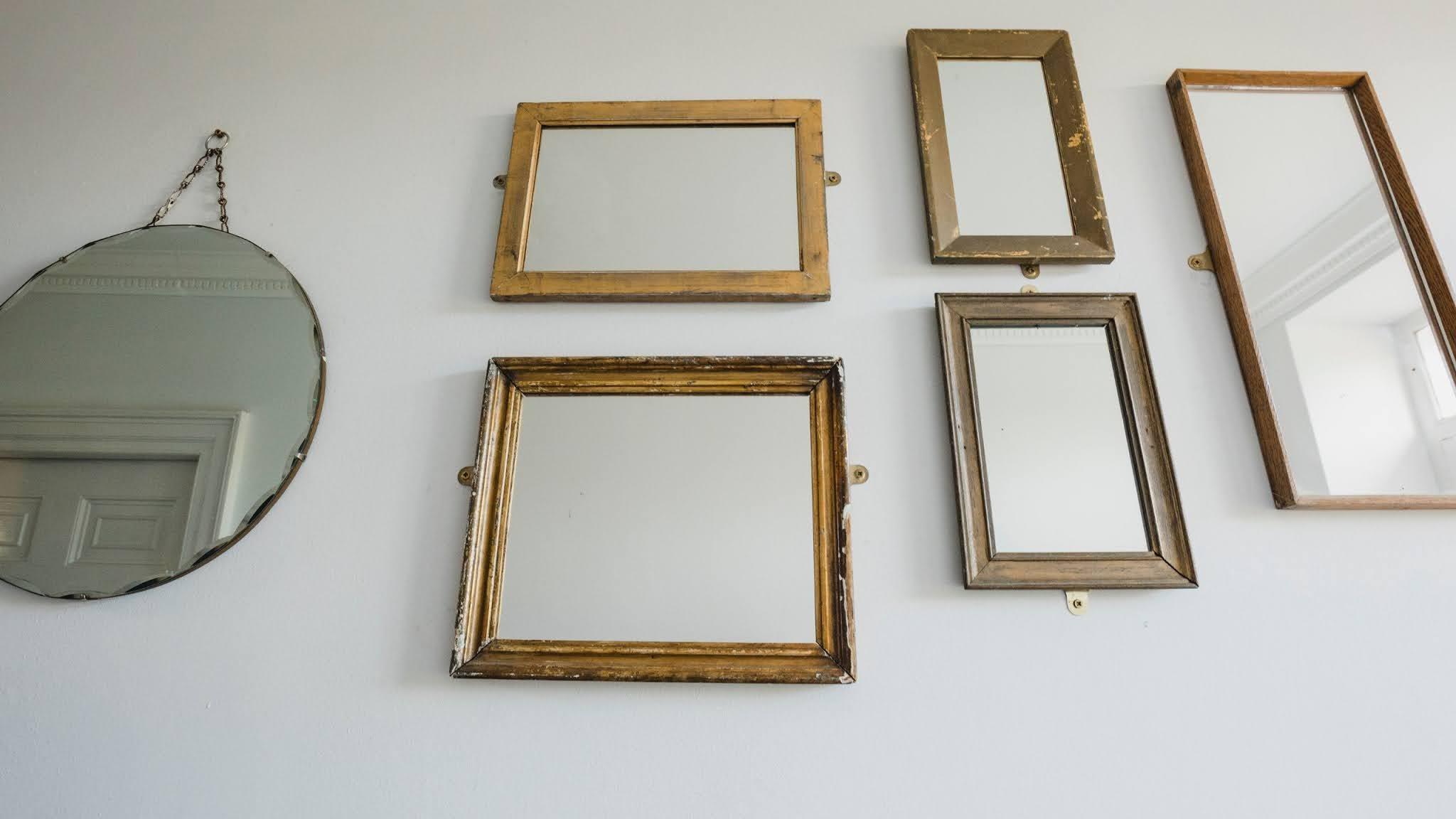 lustra w holu galeria