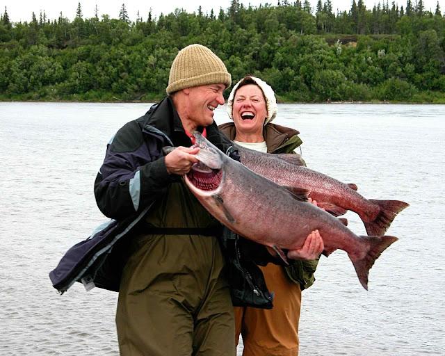 Pescadores de salmão no Alasca