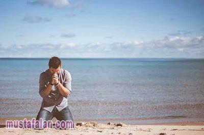 doa ketika menghadapi kesulitan arab latin dan artinya