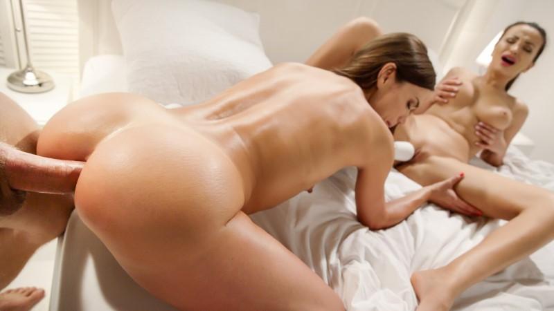 LETSDOEIT – Hot girls have sex with one lucky guy – Alyssia Kent, Alyssa Reece