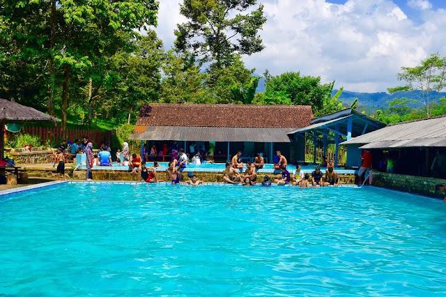 Kolam Renang Wisata Agro Selopajang Timur (WAST) Blado Batang