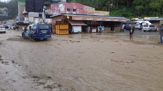 Sungai Batu Gaga Parapat Meluap, Pemukiman Warga dan Jalinsum Parapat Banjir