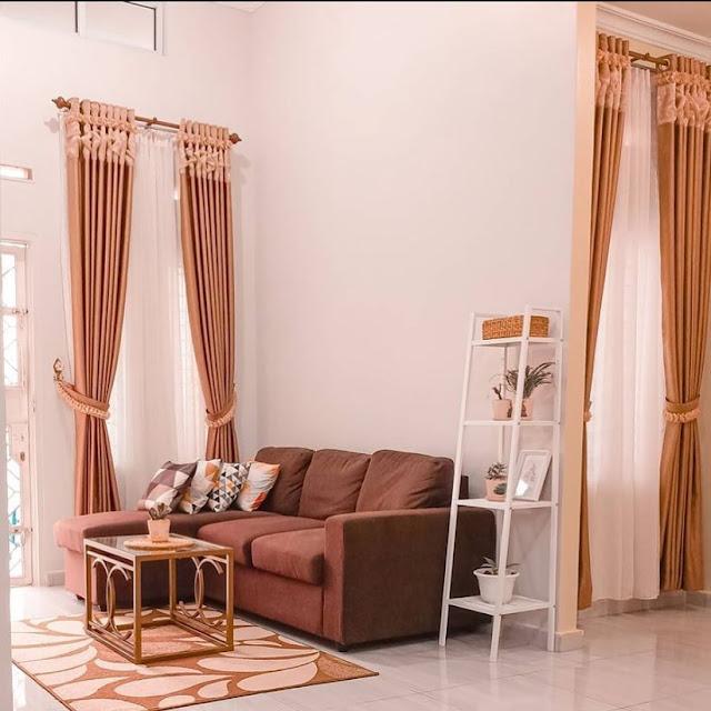 Ruang Tamu Sederhana Kesan Natural