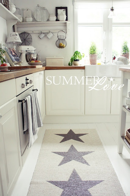 White living summer love ii and some stars - Alfombra cocina ikea ...