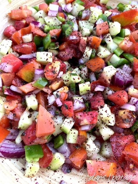salade-tomate-oignon-concombre-menthe-piment