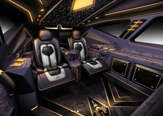 Interior Mobil SUV Karlmann King