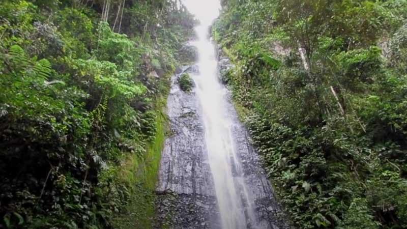 Terjun di Lombok Barat