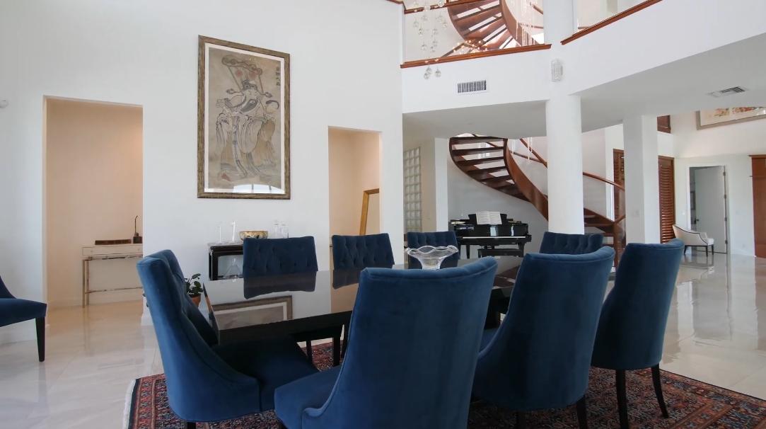 17 Interior Design Photos vs. 14040 Schultz Rd, Fort Myers, FL Luxury Home Tour