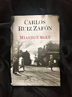 """Miasto z mgły"" Carlos Ruiz Zafón, fot. paratexterka ©"