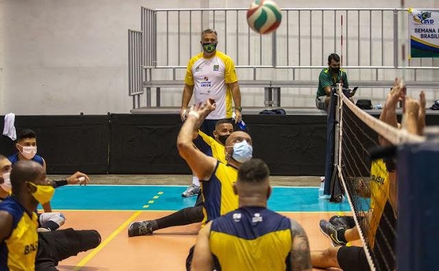 Treino da seleção brasileira masculina de vôlei sentado