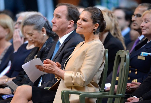 Crown Princess Victoria of Sweden attended as a audience a conference, jewelery, diamond earring, tiara