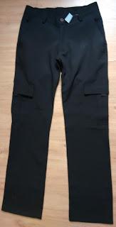calça preta Low's tam 40