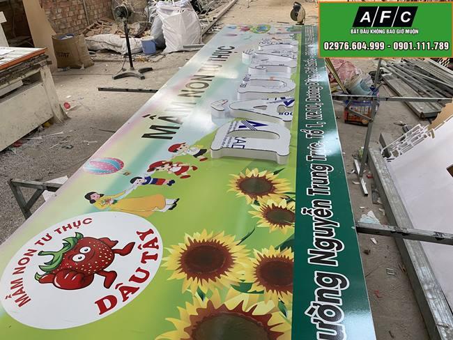 Làm bảng hiệu Decal Chữ nổi Mầm Non Tư Thục Dâu Tây Phú Quốc