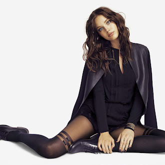 Legwear Fashion Style Inspirations and Outfit Ideas All Black Style #tights #legwear #fashion #photography #streetstyle