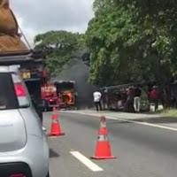 Ônibus com 30 pessoas pega fogo quando trafegava na BR-230