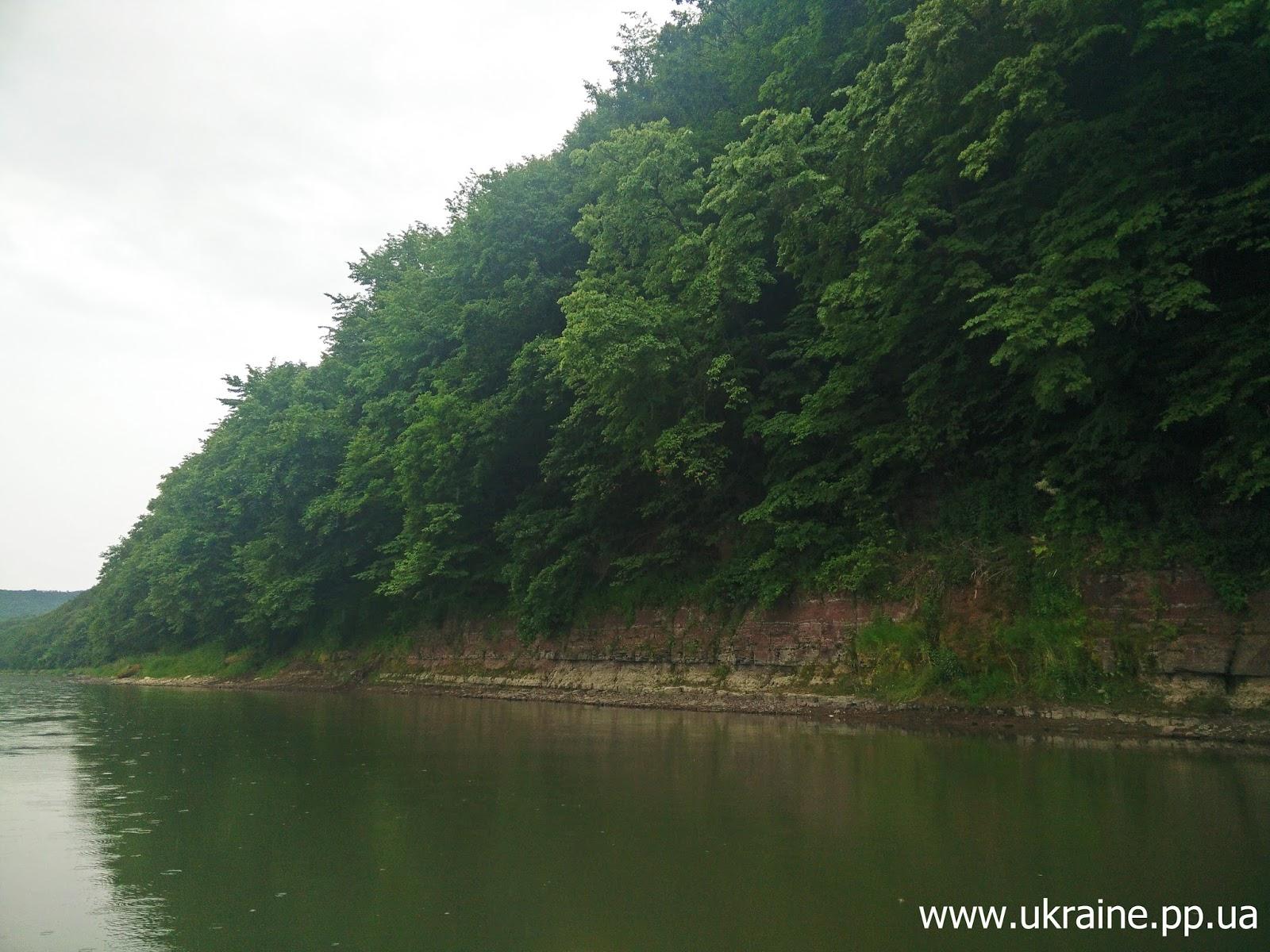 На берегу реки днестр
