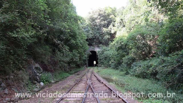 Túnel da linha férrea em Colinas, RS