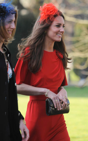 Old School Stylings Kate Middleton Plays The Lady In Red At Wedding Of Emilia D Erlanger
