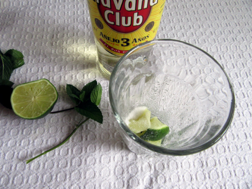 Cuban mojito by Laka kuharica:  add the sugar and muddle