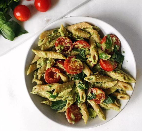 QUICK AND EASY BASIL AVOCADO PASTA #vegetarian #healthyeat