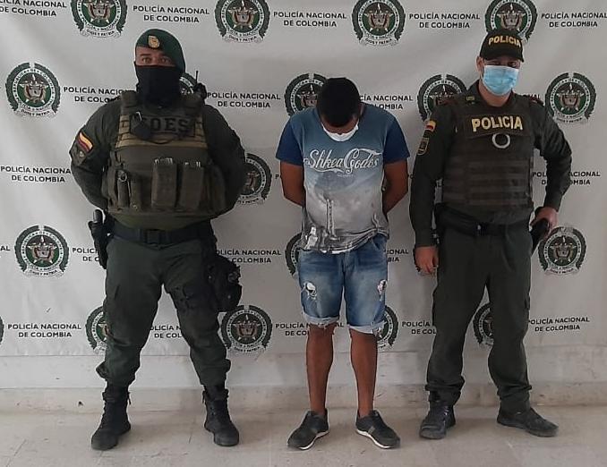 https://www.notasrosas.com/El Goes captura a una persona en Riohacha, por el Delito de Hurto