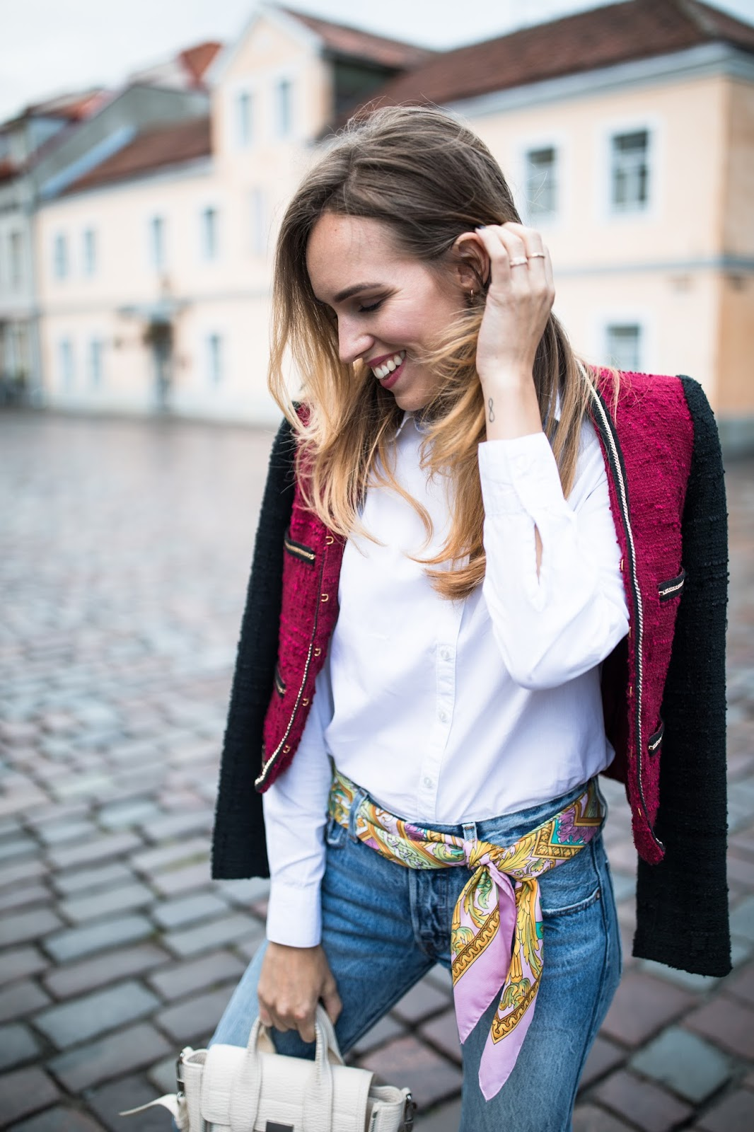 blue jeans white shirt scarf as belt