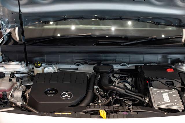 Đánh giá Mercedes GLB 200 AMG 2020