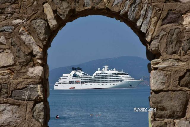 Στο Ναύπλιο το κρουαζιεροπλοιο Seabourn Odyssey