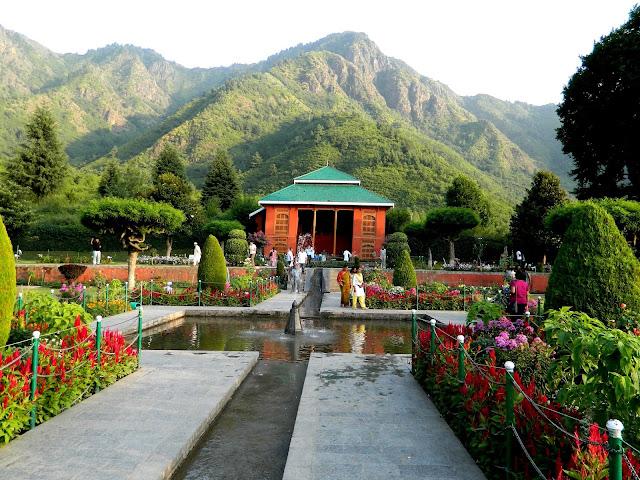 17-Chashme-Shahi-garden-Srinagar